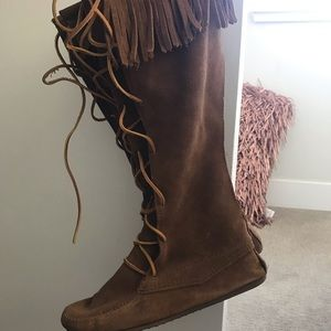 Minnetonka Boots | brown | Size 10